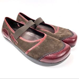 EARTH by KALSO Allure Suede Mary Jane Shoes 8.5